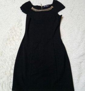 2 платья,1 черное,2 темно синее