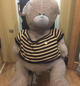 Медведь огромный
