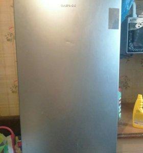 Холодильник деу.