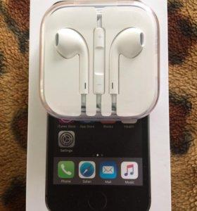 Наушники iPhone 5s
