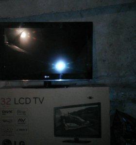 Телевизор LG(32)