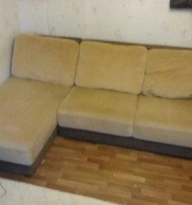 Продаётся угловой диван.