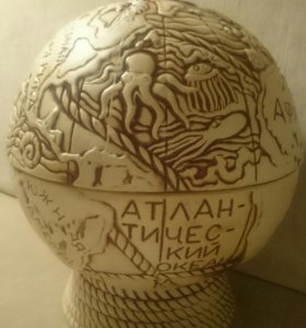 Штоф в керамическом глобусе с рюмками