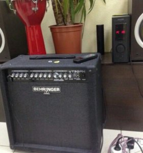 Behringer VT50FX Virtube гитарный комбо