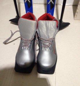 Лыжи, ботинки , палки