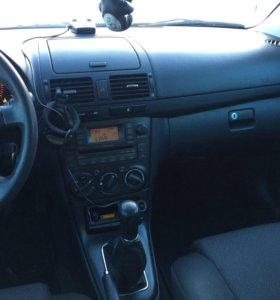 Тойота Авенсис 2006г м/т