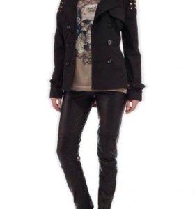 Куртка женская (размер 40-42).