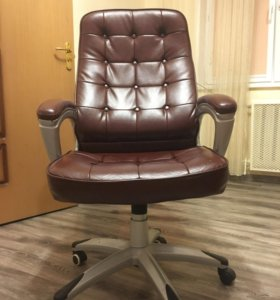 Кресло компьютерное(кожаное)