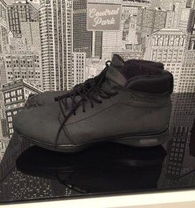 Демисезонные кроссовки / ботинки Reebok