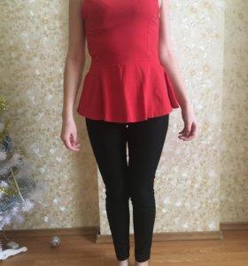 Красная блузка с баской