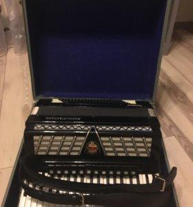 Аккордеон Royal Standard Montana