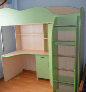 Стол кровать шкаф