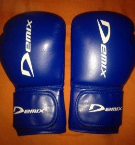 Боксёрские перчатки(новые)