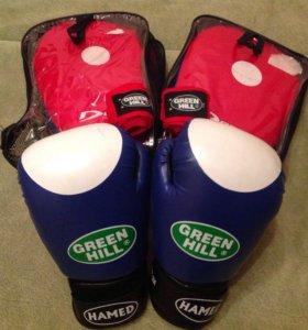 Продаются боксёрские перчатки, лапы и бинты
