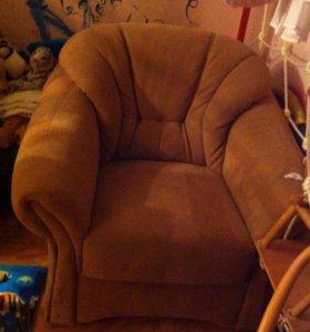 Кресло из замши.