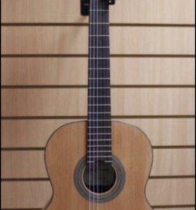 Болгарская классическая гитара, Kremona fiesta 65