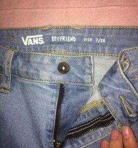 """Джинсы boyfriend """"Vans""""."""