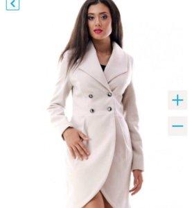 Продам красивое новое пальто