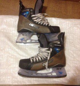 Хоккейные коньки Bauer One 90