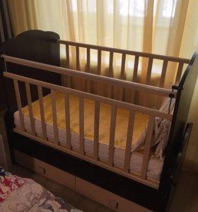 Кроватка - трансформер с маятником