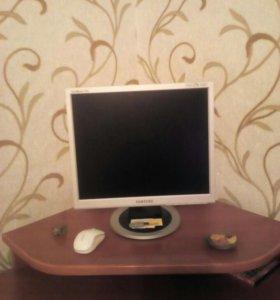 Продам-компьютерный стол -тумба и монитор Samsung