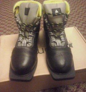 Лыжные ботинки 2 пары