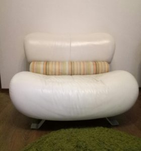 Диван и 2 кресла обращаться по тел 89062878954