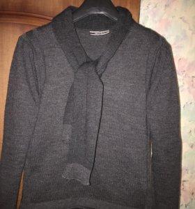 Мужская теплая кофта с шарфом