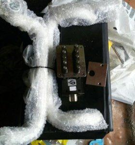 Кодовый замок новый и комплект дверных ручек скоб