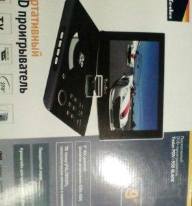 Портативный DVD player Tesler PDV-950 black