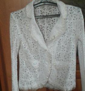 Гипюровый пиджак