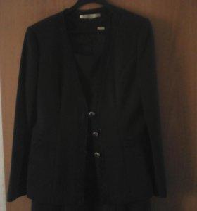 Костюм:платье пиджак