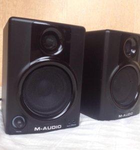 Мониторы M-AUDIO AV30