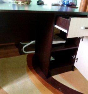 Письменные столы 2 шт.