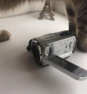 Видеокамера Sony DCR-SR42