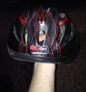 Велосипедный шлем с