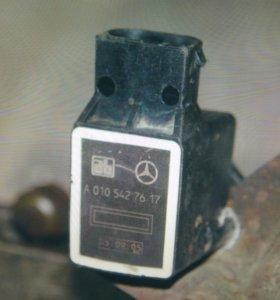 Для Mercedes W220 датчик подвески А0105427617