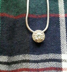 Серебряная цепочка с подвеской