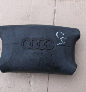 Подушка безопасности в рулевое колесо Audi A6 C4