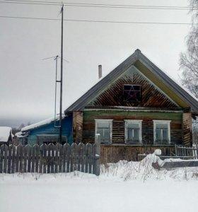 Дом с постройками
