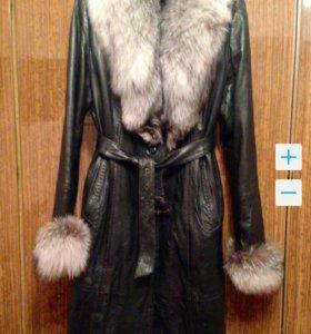 Продаю зимнее кожаное пальто