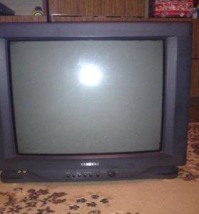 Телевизор Самсунг в хорошем состоянии!
