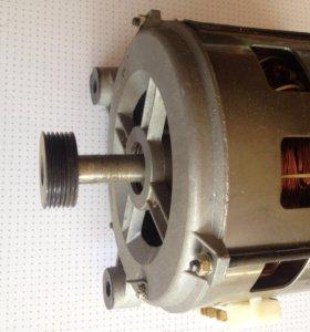 Асинхронный двигатель INDESIT/Ariston