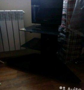 Продам ТВ столик