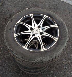 Продам колеса r14 на литых дисках