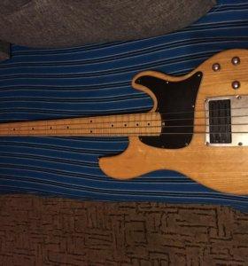 Бас-гитара Ibanez ATK300