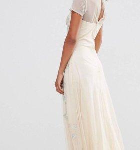 Элегантное платье с бисером