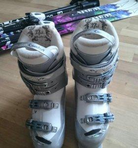 Женские горные лыжи 150 см+ Ботинки 38-39 размер