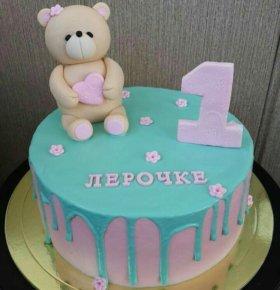 Торт на годик 2,5кг,цена за 1 кг