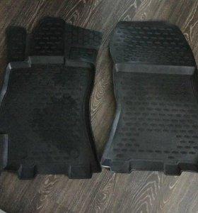 Оригинальные резиновые коврики на Subaru Legacy